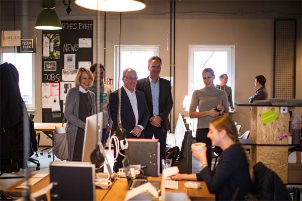 Brigitte Meier (WEGE), Alexander Rüsing (Founders Foundation), Oberbürgermeister Pit Clausen, Andreas von Estorff (Pioneers Club) und Britta Herbst (Pioneers Club)