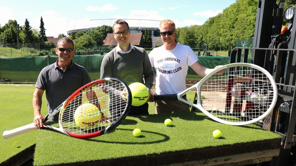 Hohe Qualität durch engen Austausch mit den Spielern sowie Rasen-Experten aus Wimbledon