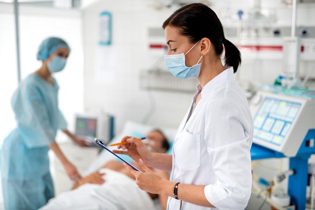 Patient, Schwester und Ärztin