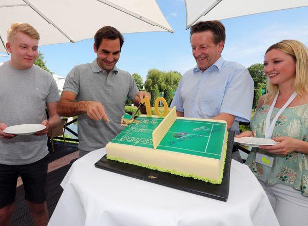 Roger Federer ist in HalleWestfalen eingetroffen für die Mission Titelverteidigung